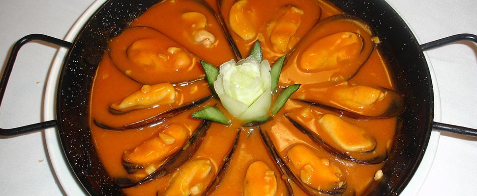 La 'Feria de las ferias' en La Mulata y angulas en la Hostería de Adarzo