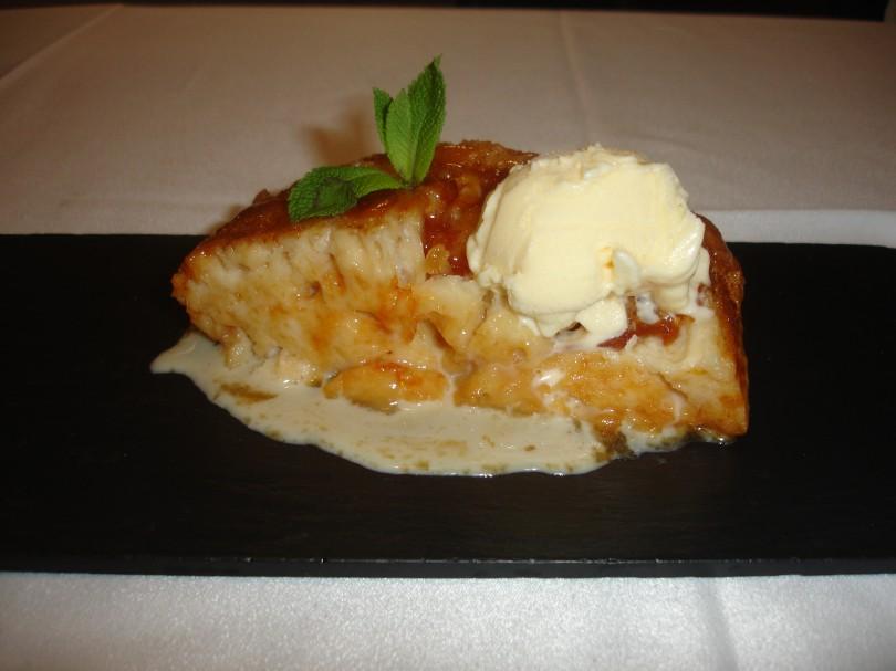Torrija con pan de Orzales y helado (Tapas 53)