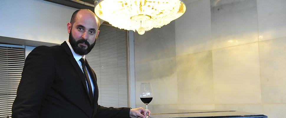«El camarero siempre está virtualmente sentado en la mesa con el cliente»